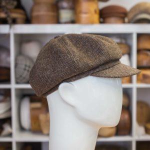 Bakerboy lakki ruskea tweed helsnkihatfactory ateljee hattukauppa